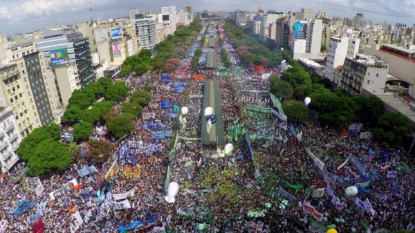 Perspectiva enrique lacolla for Chimentos de hoy en argentina